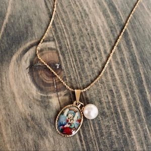 Religious Gold & Pearl Pendant